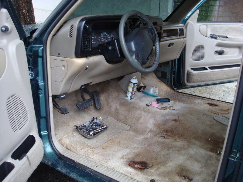 Removing Dashboard - Replacing Evaporator 1995 2500-01removeseats.jpg