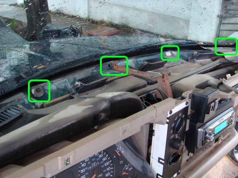 Removing Dashboard - Replacing Evaporator 1995 2500-03mountingframe.jpg
