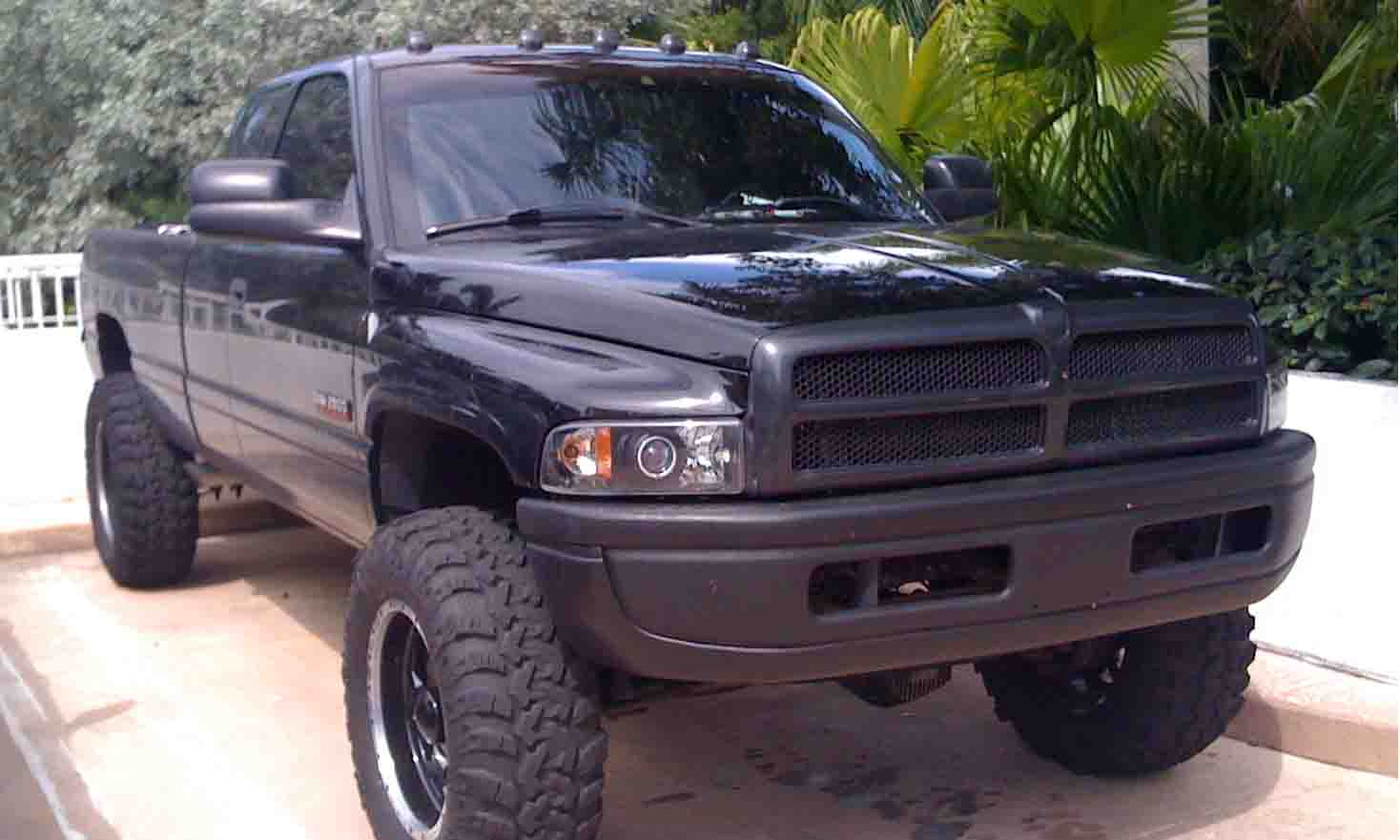 D Blacked Out Trucks Blk on 02 Dodge Quad Cab