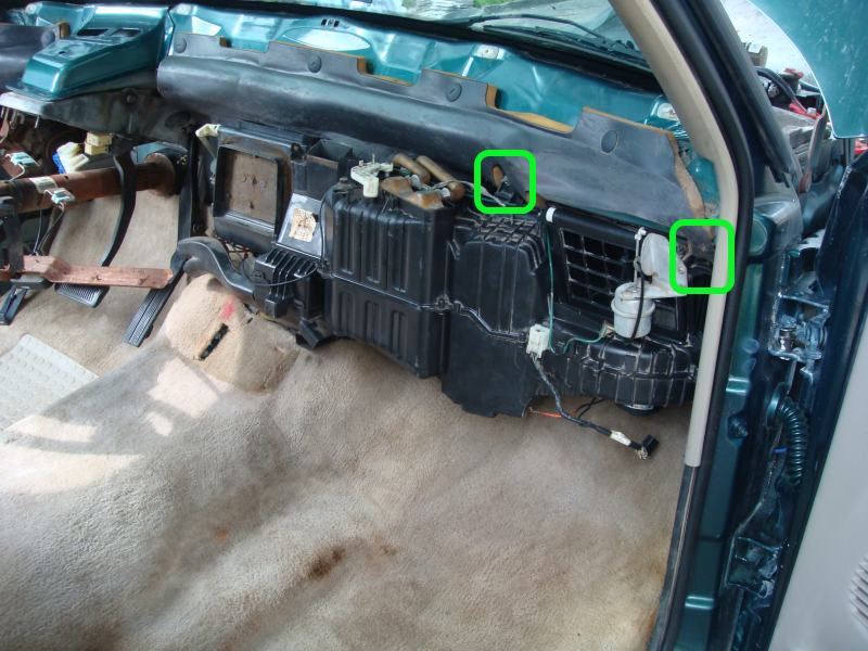 Removing Dashboard - Replacing Evaporator 1995 2500-cabinsidebolts.jpg