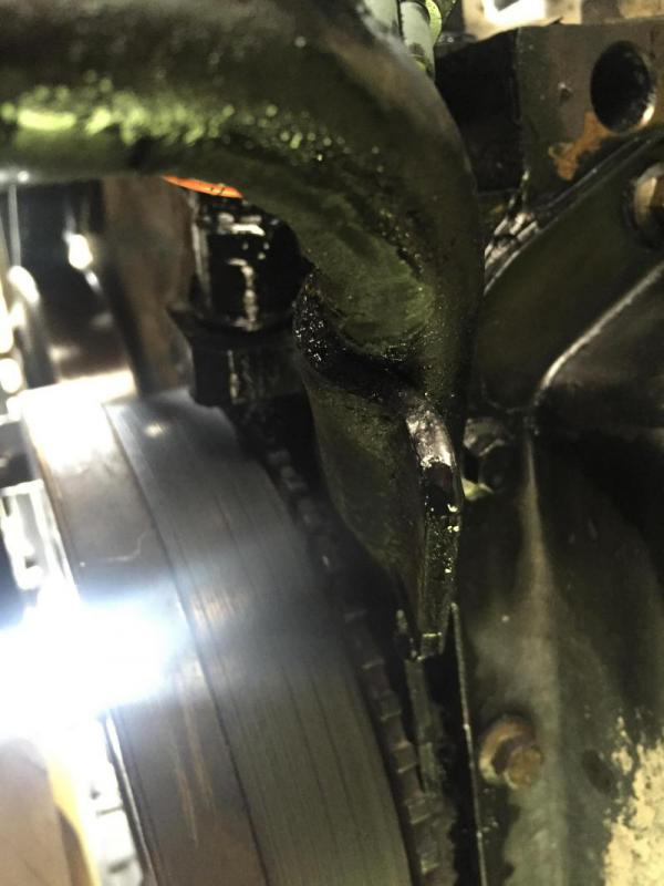 D Oil Leak Front Bottom Engine Image on 1995 Dodge Ram 3500