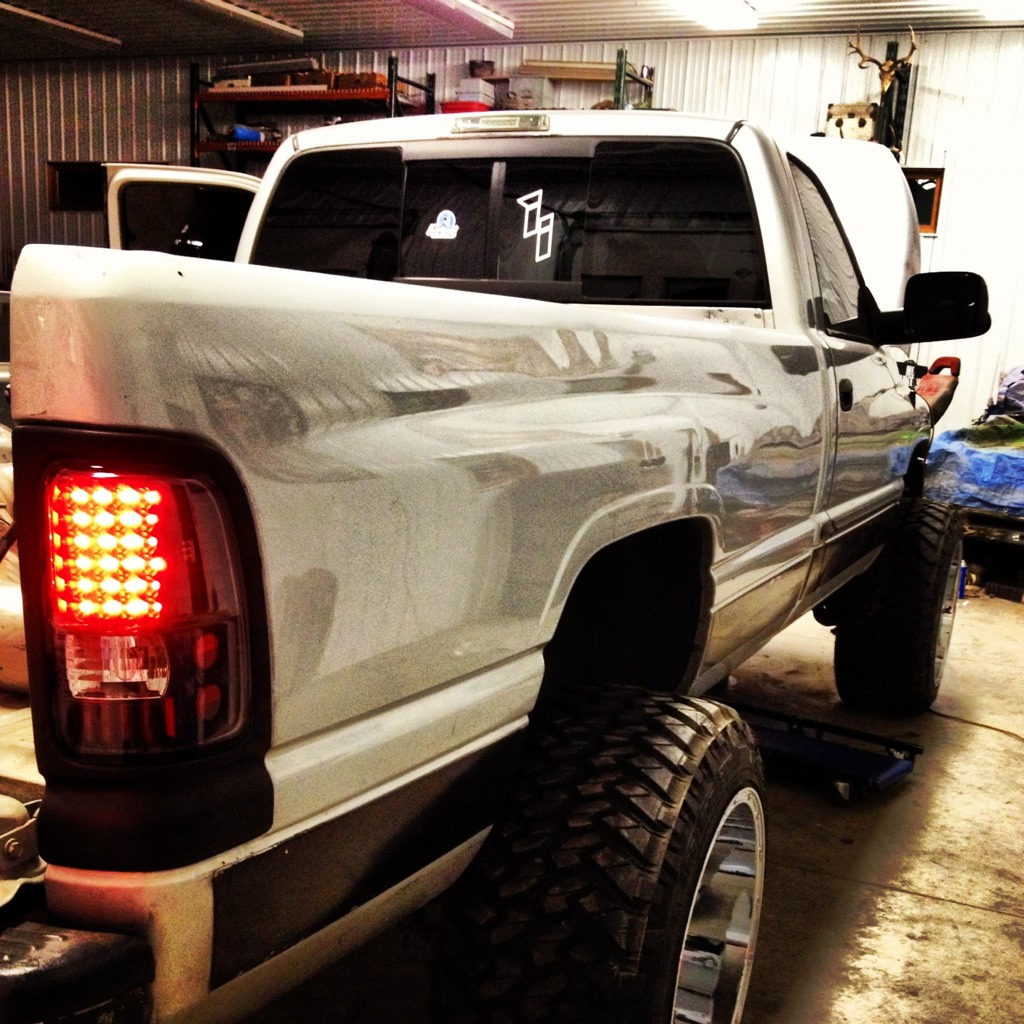 Show Me Your 94 02 Clear Or Led Tail Lights Dodge