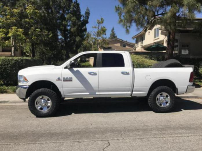 4th gen leveled 33's or 35's pics please - Page 38 - Dodge Cummins