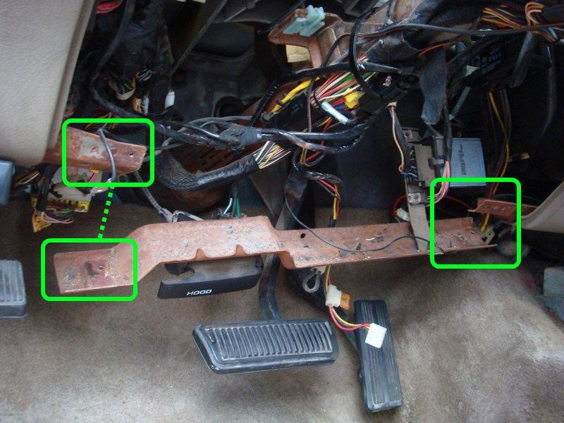 Removing Dashboard - Replacing Evaporator 1995 2500-lowerdashtie.jpg