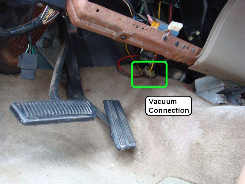 Removing Dashboard - Replacing Evaporator 1995 2500-vacuumplug.jpg