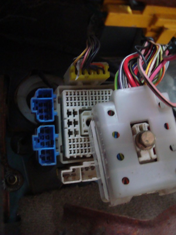 Removing Dashboard - Replacing Evaporator 1995 2500-wiringplug1.jpg